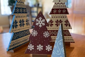 How to Make & Decorate a Rustic Wooden Christmas Tree
