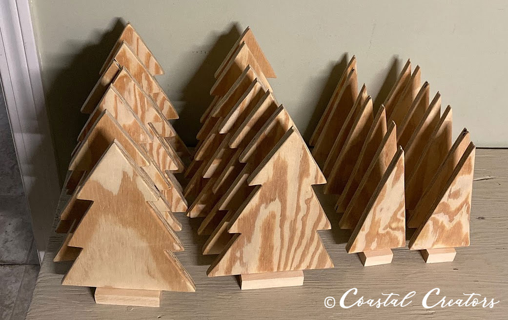 How To Make Decorate A Wooden Christmas Tree
