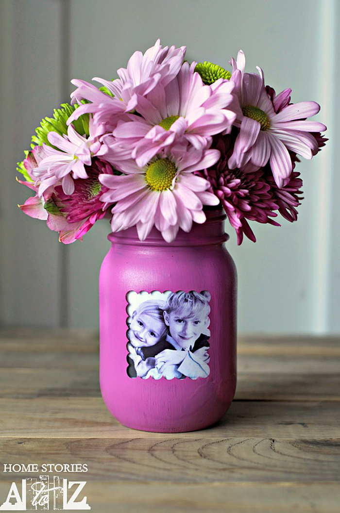 Handmade Mother's Day Gifts for Mom: Mason Jar Picture Frame Vase