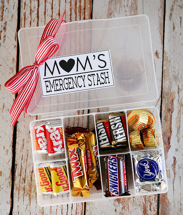 Handmade Mother's Day Gifts - Mom's Emergency Candy Stash
