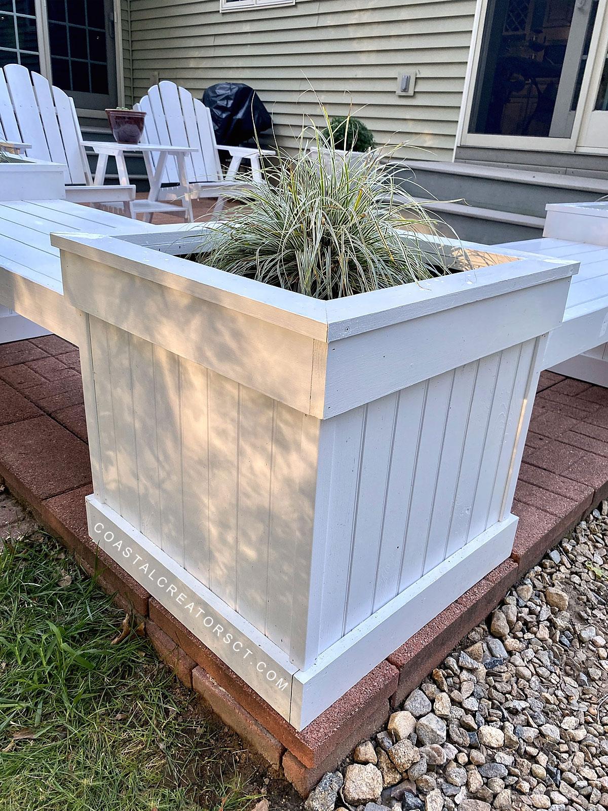 Build an Exquisite Triple Planter Bench